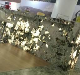 Balcão em Granito Exótico Translúcido Semi Precioso Tourmaline