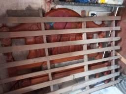 Vendo essa cama de casal madeira