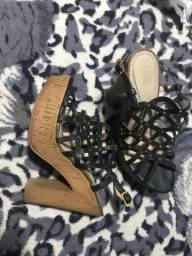 Sapatos Número 37 e 38 valor 25,00 unidade