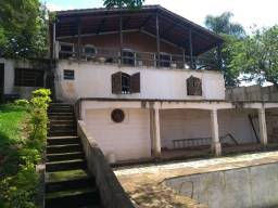 Chácara 1.050m² para reforma em condomínio de Igaratá