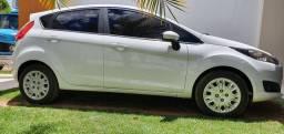 New Fiesta 2016. carro em estado de zero. carro bem conservado