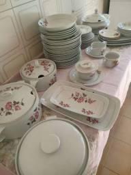 Aparelho de jantar Schimidt antigo 62 peças porcelana