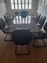 Mesa de reunião com 8 cadeiras