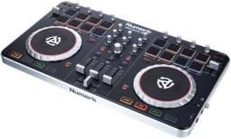 Controladora Numark MixTrack Pro II