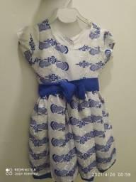 Vendo 4 vestidos conservado