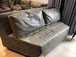 Vendo sofá de couro legítimo , mandado fazer