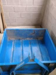 Caçamba hidráulica para trator