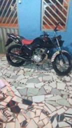 Vendo moto fan 125.