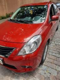 Nissan versa 2014 SL vermelho