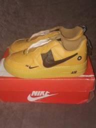 Tênis da Nike amarelo