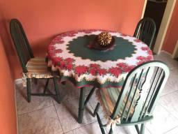 Vendo mesa e 6 cadeiras