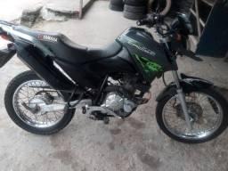 Vendo troco moto yamaha crosser em dias leia abaixo