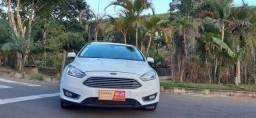 Ford focus hacht branco completo modelo titaniun automático motor 2.0 ano 2016