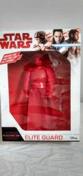 Vende-se bonecos Star Wars e vingadores da Marvel.