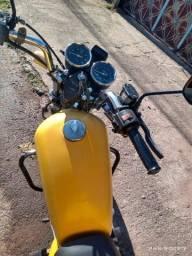 Moto Intruder 125