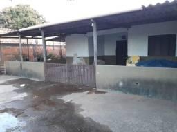 Vende-se casa em Goiás