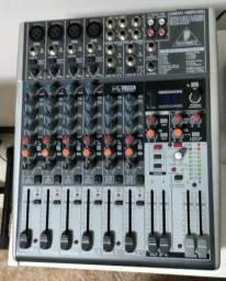 Mesa de som Behringer com efeitos Xenyx 1204usb