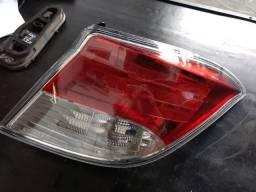 Lanterna traseira direita Chevrolet prisma 2015