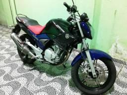 Moto Fazer - 2013