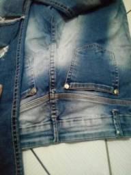Calça jeans detonado