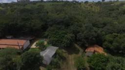 Fazendinha de 11 hectares com muito verde, riacho nos fundos * WhtsAPP Guilherme