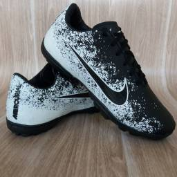Chuteira Society Nike Black White