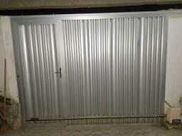 Vende-se portão de alumínio.