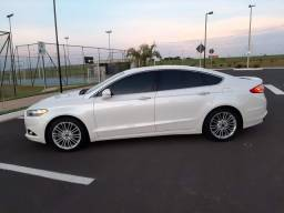Fusion Ford modelo 2015 impecável