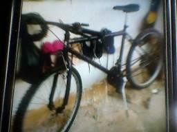 vendo uma bicicleta ou troco guarda roupa
