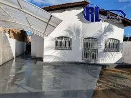 Vende uma ótima residência no Bairro Centenário