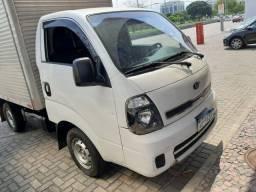 Kia Bongo k 2500 branco 2015 Baú c porta lateral