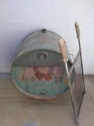Vendo churrasqueira tambor grande