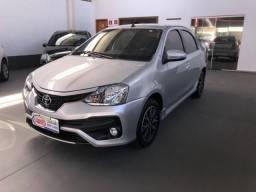 Toyota Etios Platinum 1.5 Prata