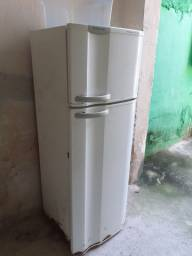Geladeira 200 reais