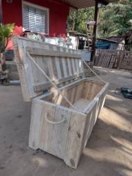 Mesa, baú, arara de madeira pino artesanal