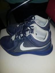 Tênis Nike OverPlay VIII 40