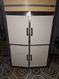 Vendo um expositor frigoríficos está perfeito
