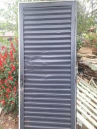 Porta de metal