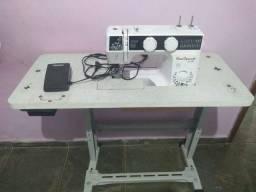 Vendo máquina de costura semi-nova!