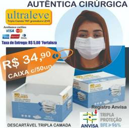 Máscara cirúrgica descartável hospitalar tripla camada caixa com 50 unidades.