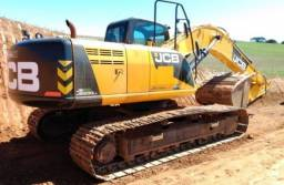 escavadeira JCB 200