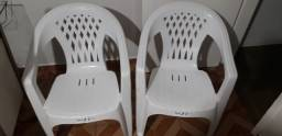 Cadeiras de Plástico pouco uso