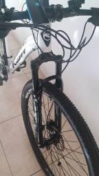 Bike ksw modelo xlt.  Freios a disco hidráulico.