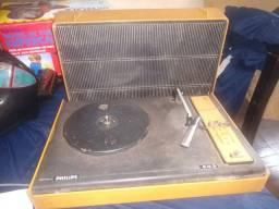 Vitrola toca disco de vinil portátil, Philips 503. Rara