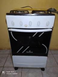 Vendo este fogão 4 bocas com mangueira e registro , buscar no local aceito cartões e pix