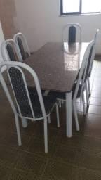 Mesa de ferro com 6 cadeiras