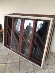 Vendo janelas Itaúba com Vidro