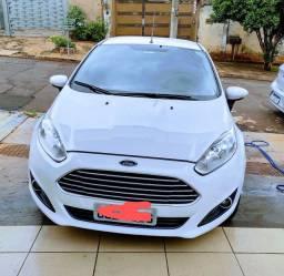 Ford New fiesta automático 2015 (59 mil km)