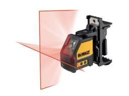 Nível Laser Esquadro Dw088k Com Suporte Com Maleta