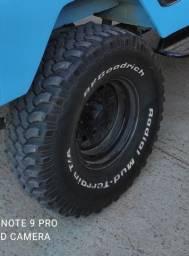 Pneus bf 33 MUD com roda